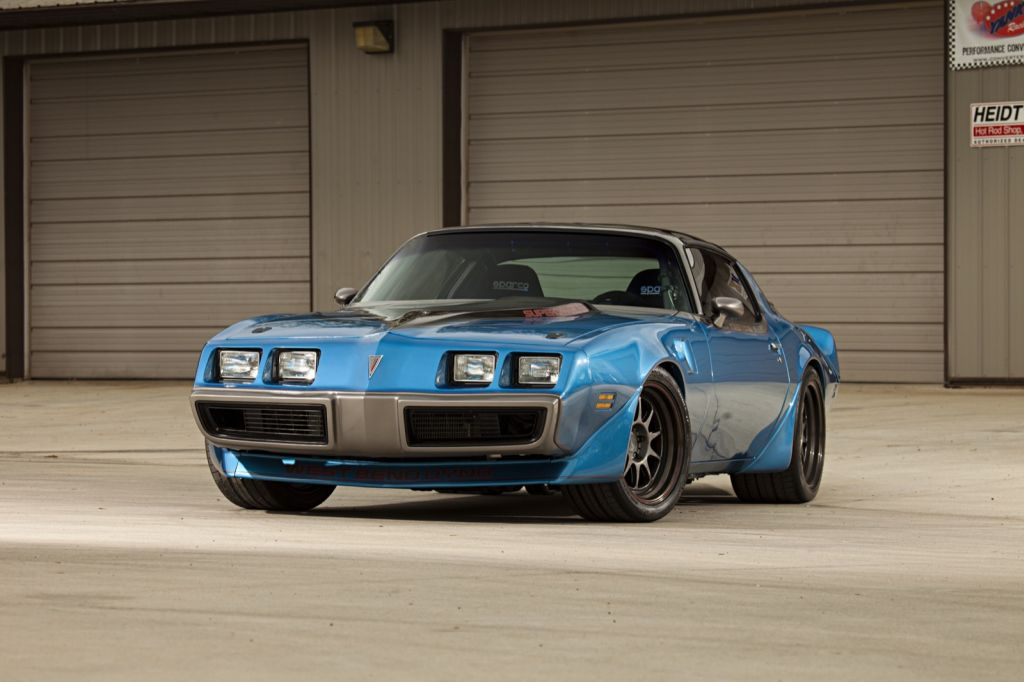 Pontiac-Firebird-1000-ps-1
