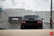 black challenger srt8 vossen wheels 16 190x127 Böser Dodge Challenger SRT8 mit Vossen Wheels