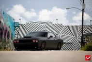 black challenger srt8 vossen wheels 19 190x127 Böser Dodge Challenger SRT8 mit Vossen Wheels