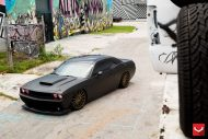black challenger srt8 vossen wheels 6 190x127 Böser Dodge Challenger SRT8 mit Vossen Wheels
