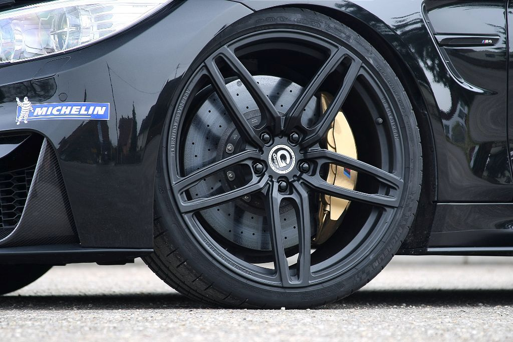bmw-m4-f82-coupé-g-power-tuning-4