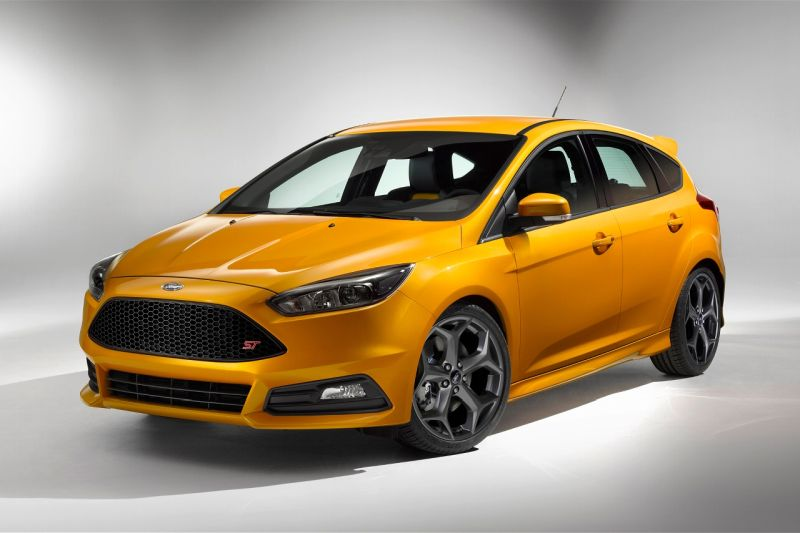 2015-ford-focus-st-1