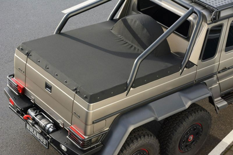 Mercedes-G-63-AMG-6x6-Brabus-Expeditionsmodell-10