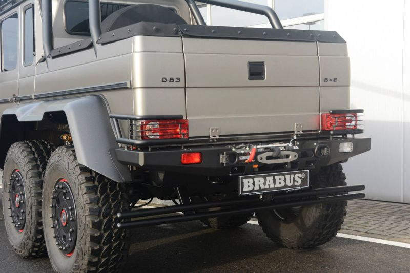 Mercedes-G-63-AMG-6x6-Brabus-Expeditionsmodell-16