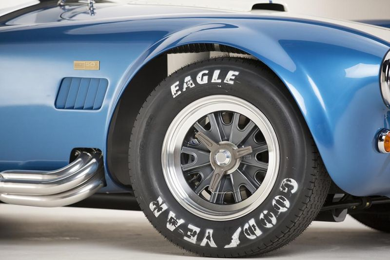 Shelby-American-50th-Anniversary-427-Cobra-limited-8