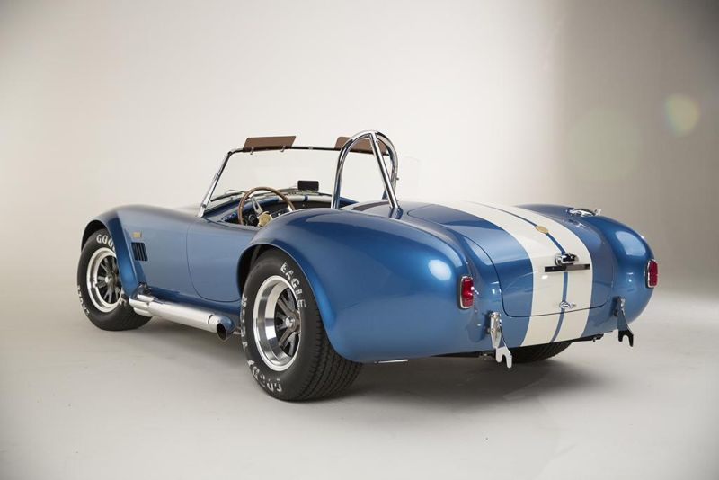 Shelby-American-50th-Anniversary-427-Cobra-limited-9