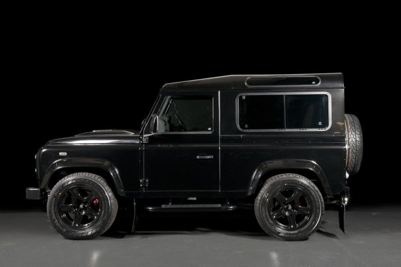 land-rover-defender-ultimate-rs-by-urban-truck-23