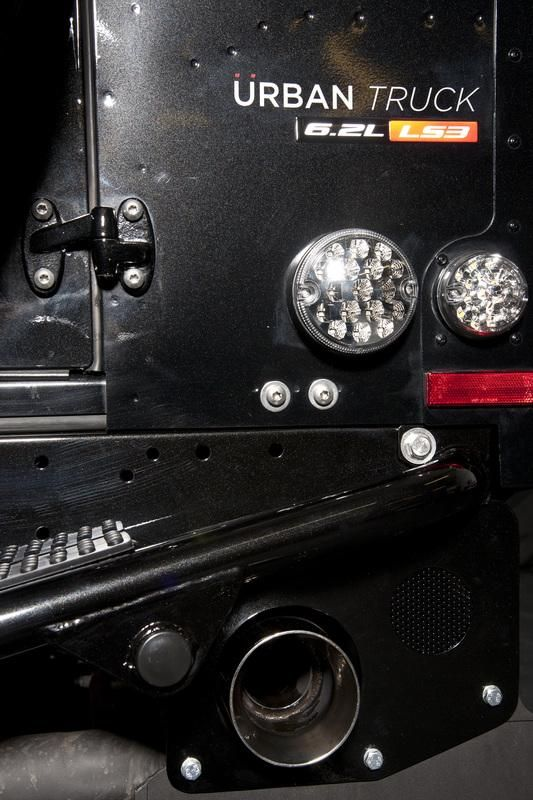 land-rover-defender-ultimate-rs-by-urban-truck-8