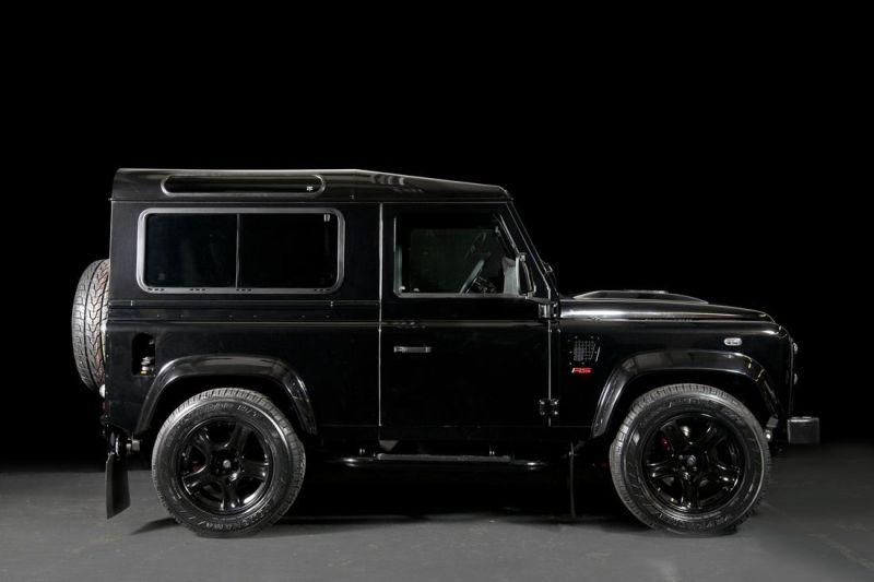 land-rover-defender-ultimate-rs-by-urban-truck-9