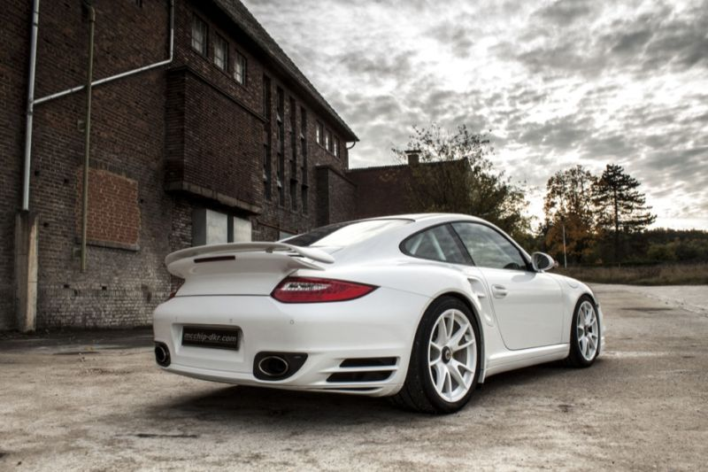 997 Porsche 1 Mcchip DKR is boosting the 911 Turbo S (997) with 600PS
