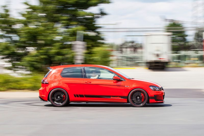 vw golf 7 gti wolfsburg edition mit 380ps berrollt den r der tuning und styling blog. Black Bedroom Furniture Sets. Home Design Ideas