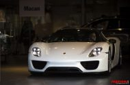 Paul Bailey and 3 supercars 3 190x125 Video: Porsche 918 Spyder, Paul Bailey´s Ferrari LaFerrari und McLaren P1