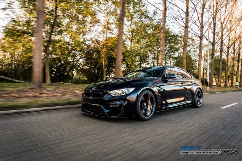 azurite black bmw m4 from br performance 2 BR Performance Tuning am Azuritschwarzen BMW M4 F82