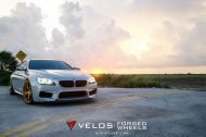 bmw m6 gran coupe on velos s3 wheels 1 190x126 BMW M6 Gran Coupé mit goldenen Velos S3 Felgen