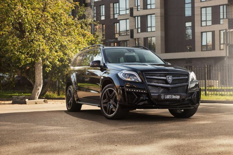 larte-design-releases-more-photos-of-their-black-crystal-mercedes-2