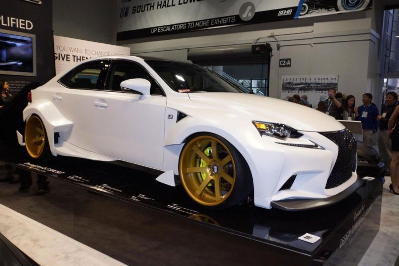 lexus is 12 Lexus IS 350 F extrem auf der Sema 2013