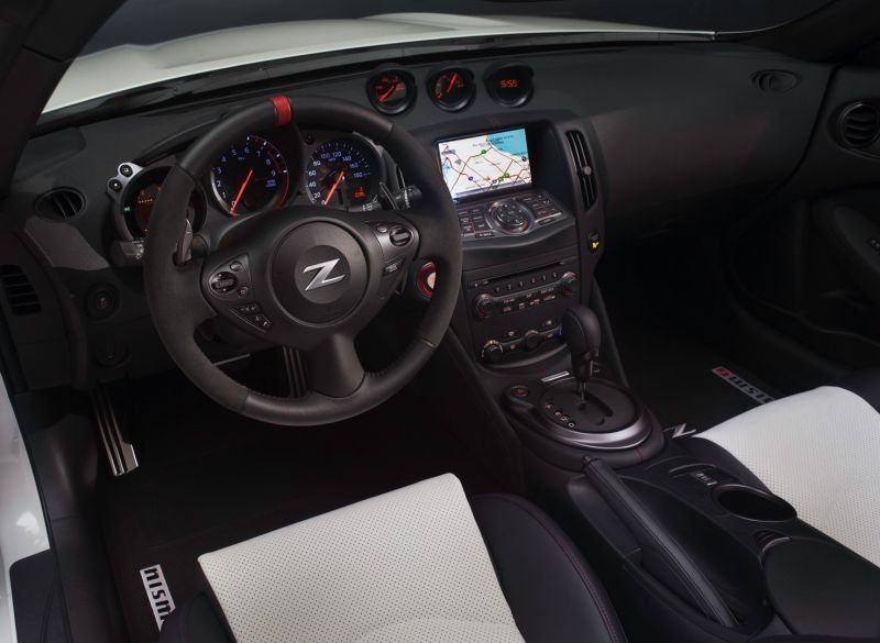 nissan-370z-nismo-roadster-concept-10