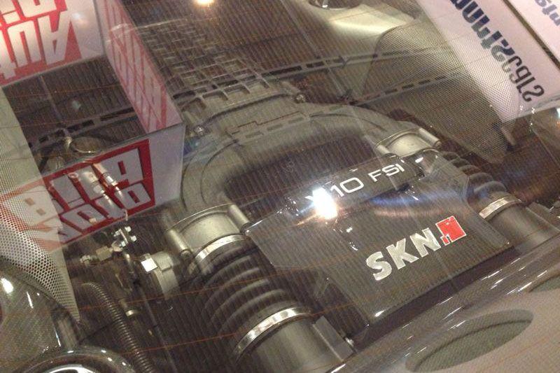 skn-audi-r8-v10-5