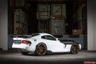 viper carbon 4 190x127 Video: Carbon Monster! Die Dodge Viper vom Tuner Vivid Racing