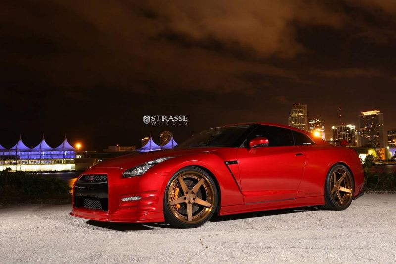 nissan-gt-r-with-strasse-wheels-6