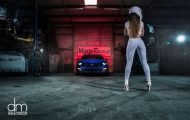 the stig s wife ford mustang 3 190x120 Seitensprung? Stig´s Frau checkt den Ford Mustang