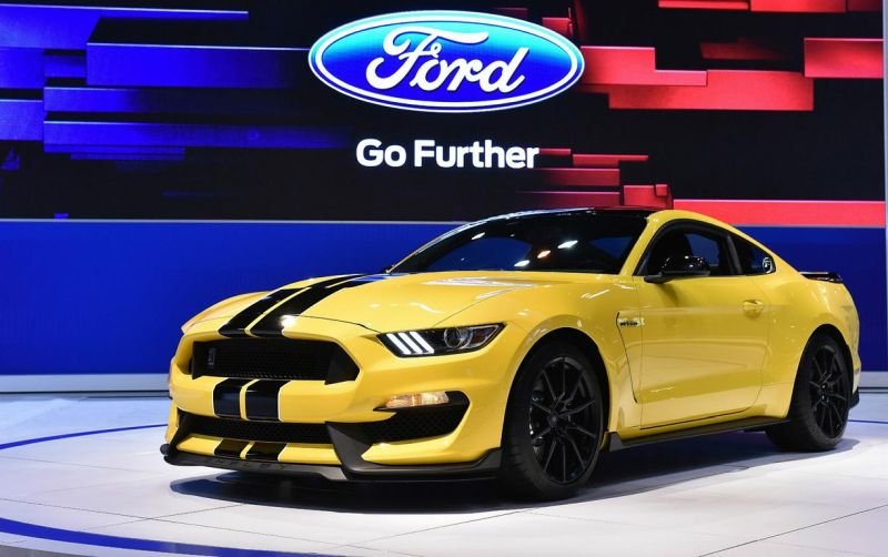 2015my-limited-to-100-gt350s-and-37-gt350r-1