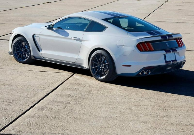 2015my-limited-to-100-gt350s-and-37-gt350r-10