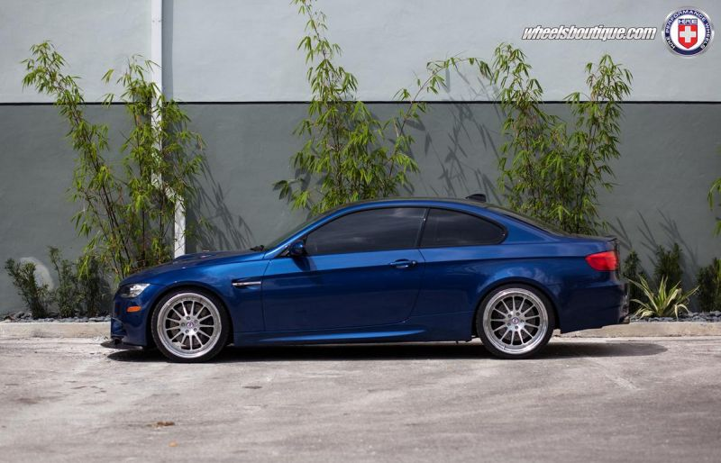 BMW-E92-M3-On-HRE-Classic-303-2