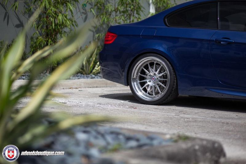 BMW-E92-M3-On-HRE-Classic-303-3