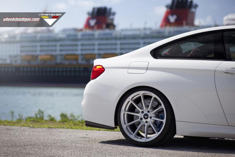 BMW M4 Vorsteiner Wheels Wheels Boutique 1 Wheels Boutique Tuning am Alpine weißem BMW M4 F82