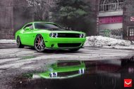 Dodge Challenger On VFS1 By Vossen Wheels 1 190x127 VFS1 Vossen Wheels auf einem giftgrünen Dodge Challenger SRT