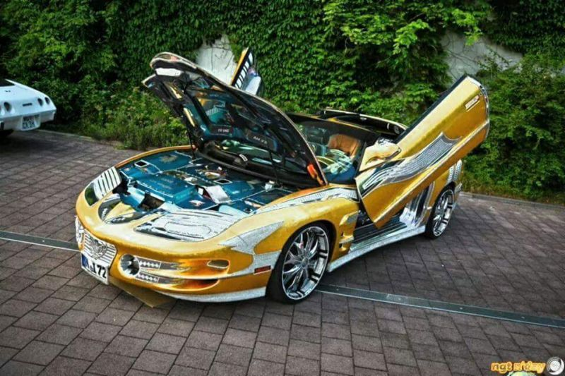Pontiac Trans Am Gold & Strass Tuning Car 1 (13)