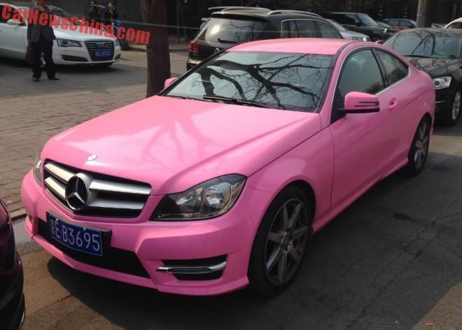 china pink benz 1 Mercedes Benz C Klasse Coupe in Pink im Hello Kitty Style
