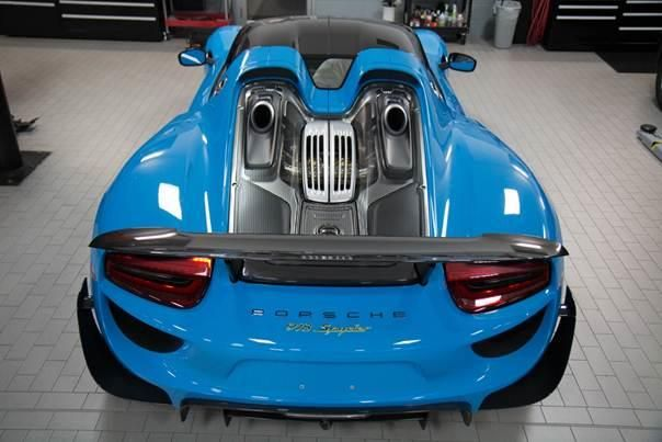 f r die usa riviera blauer porsche 918 spyder mit weissach paket magazin. Black Bedroom Furniture Sets. Home Design Ideas