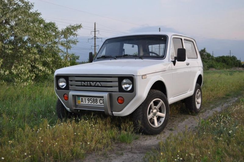 lada niva vaz 2121 modernes tuning flair. Black Bedroom Furniture Sets. Home Design Ideas