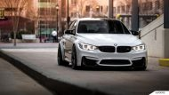 Alpine White BMW F80 M3 On MORR Wheels 6 190x107 BMW F80 M3 in Alpine Weiß mit MORR Wheels Alufelgen