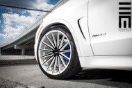 Alpine White BMW X5 On Vossen VFS2 Wheels 10 190x127 BMW X5 F15 mit 22 Zoll VFS2 Vossen Wheels Alufelgen
