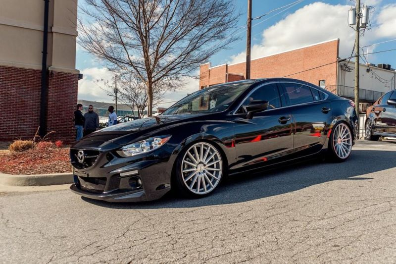 schwarzer mazda 6 mit 20 zoll vfs2 vossen wheels magazin. Black Bedroom Furniture Sets. Home Design Ideas
