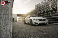 Mineral White BMW M4 On A Set Of Klassen M52R Wheels 8 190x127 Klässen ID Wheels M52R auf einem BMW M4 F82 in Mineral Weiß