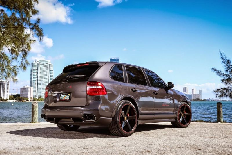 Porsche Design Cayenne GTS On Niche Road wheels 1 Porsche Cayenne GTS mit 22 Zoll Niche Road Wheels von Exclusive Motoring