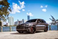 Porsche Design Cayenne GTS On Niche Road wheels 4 190x127 Porsche Cayenne GTS mit 22 Zoll Niche Road Wheels von Exclusive Motoring