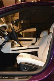 bmw 760 li wearing purple and a v12 6 190x285 BMW F02 760 LI V12   Langversion in Lila & Beige
