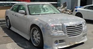 chrysler 300c china glitter tuning 1 310x165 That´s China! Extrem Bling Bling Chrysler 300C von One Hundred Tuning Club