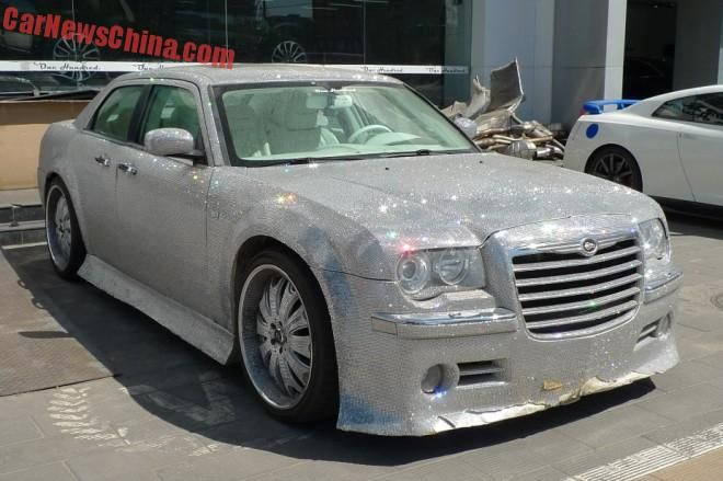 chrysler 300c china glitter tuning 1 That´s China! Extrem Bling Bling Chrysler 300C von One Hundred Tuning Club