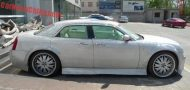 chrysler 300c china glitter tuning 2 190x90 That´s China! Extrem Bling Bling Chrysler 300C von One Hundred Tuning Club