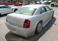 chrysler 300c china glitter tuning 6 190x136 That´s China! Extrem Bling Bling Chrysler 300C von One Hundred Tuning Club