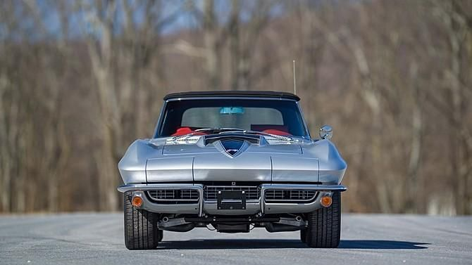 this-c2-corvette-is-powered-by-a-460-hp-lt1-v8-11