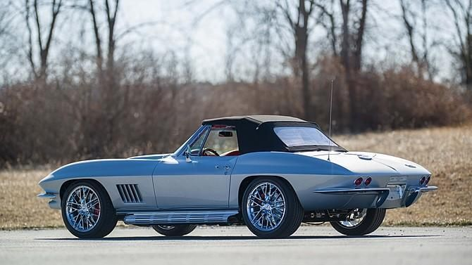 this-c2-corvette-is-powered-by-a-460-hp-lt1-v8-3