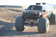 110625 909113 tuning 5 190x126 Video: Keine Fake   10 Meter Ford Excursion Monster Truck