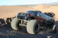 110625 909113 tuning 6 190x126 Video: Keine Fake   10 Meter Ford Excursion Monster Truck